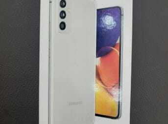Samsung Galaxy Quantum 2 Packaging - Sample
